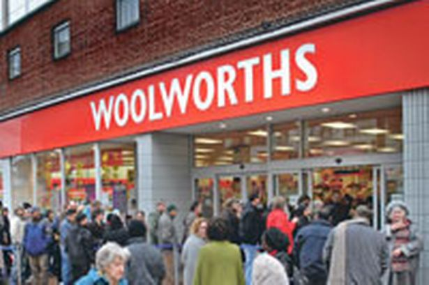 Queues at Woolworths, Hounslow